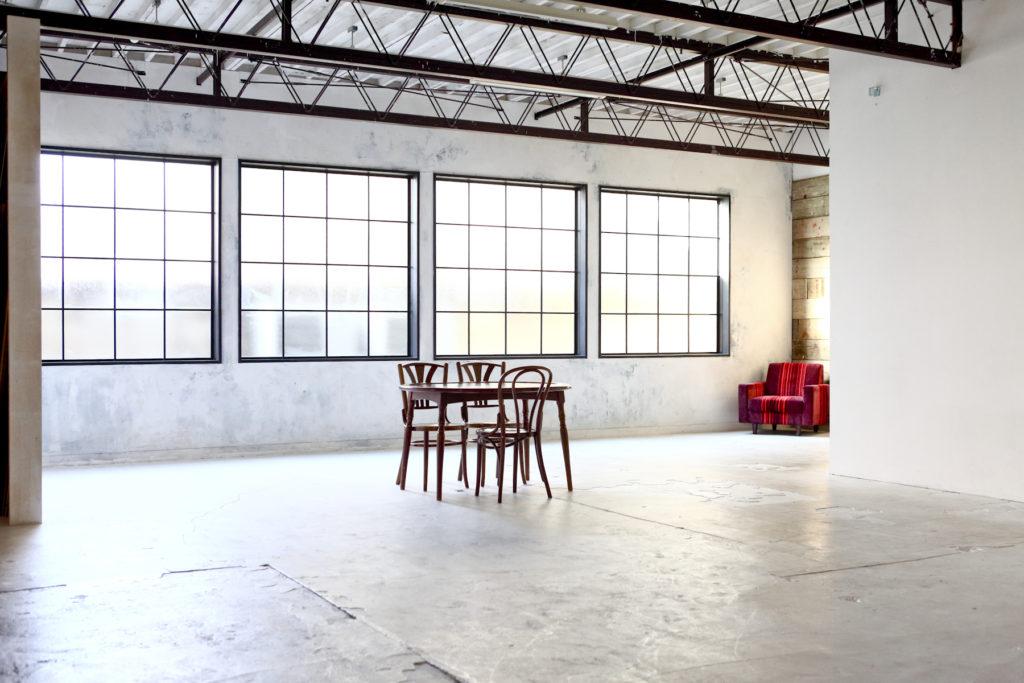 インダストリアル、倉庫、工場、広い、関東都内の自然光スタジオ、世田谷区、二子玉川