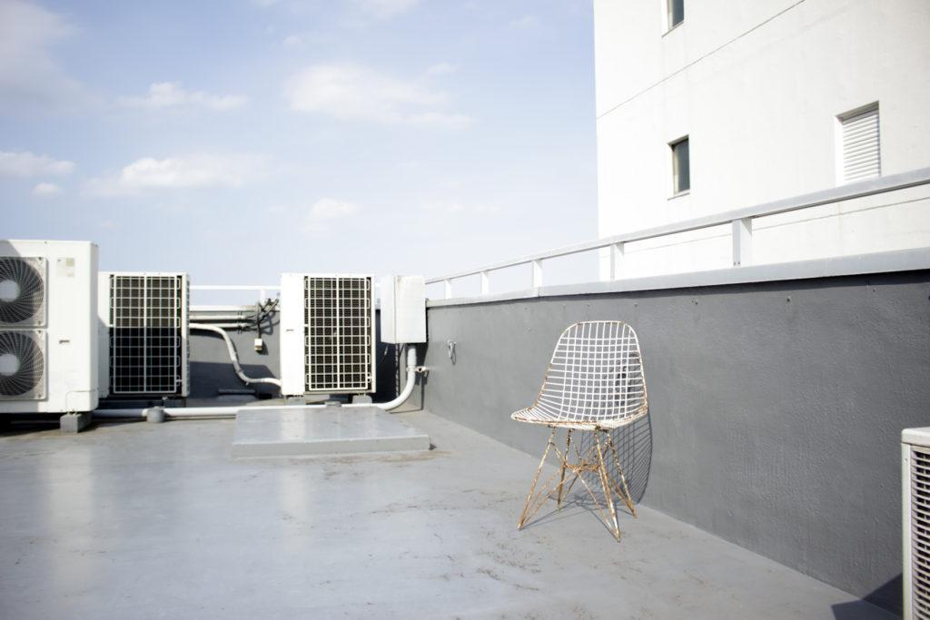 屋上、関東都内の自然光スタジオ、世田谷区