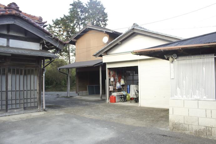 駐車場、物置、千葉、いすみの古民家と自然光スタジオ