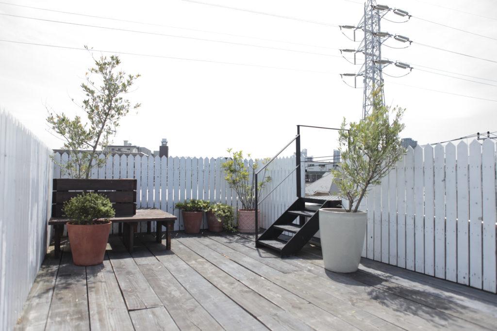 屋上テラス、植物、洋風一戸建、一軒家スタジオ、関東都内の自然光スタジオ、世田谷区