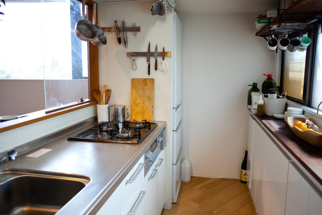 調理器具、キッチンと生活感、植物、マンションスタジオ、関東都内の自然光スタジオ、世田谷区、眺望良好、エグゼクティブ