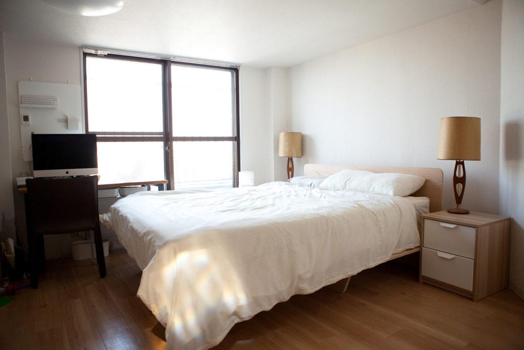 寝室、ダブルベッド、生活感、植物、マンションスタジオ、関東都内の自然光スタジオ、世田谷区、眺望良好、エグゼクティブ