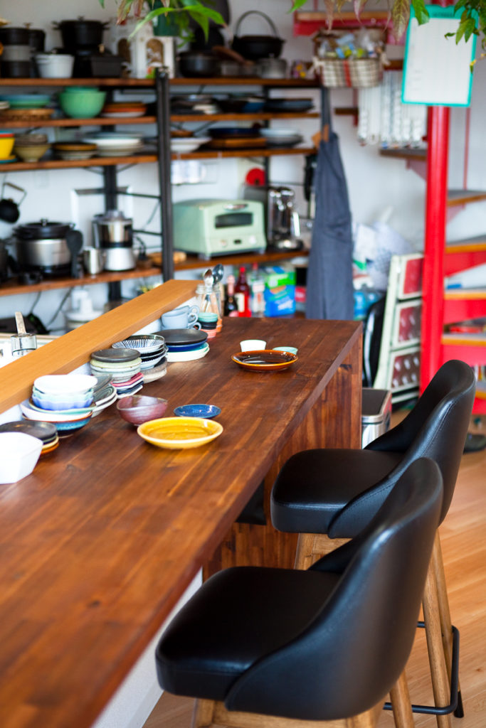 カウンターキッチンと生活感、植物、マンションスタジオ、関東都内の自然光スタジオ、世田谷区、眺望良好、エグゼクティブ