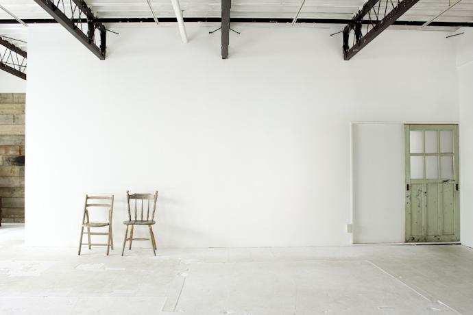 白壁、インダストリアル、倉庫、工場、広い、関東都内の自然光スタジオ、世田谷区、二子玉川