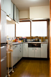 キッチン、和モダン、関東都内の古民家と自然光スタジオ
