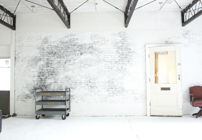 白レンガ、インダストリアル、倉庫、工場、広い、関東都内の自然光スタジオ、世田谷区、二子玉川