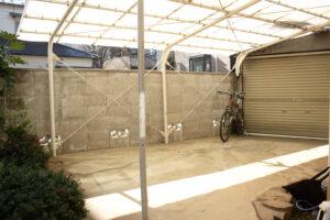 関東都内の古民家駐車場