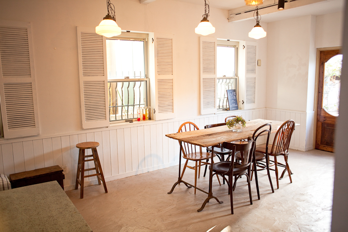 ダイニングカフェ、洋風一戸建、一軒家スタジオ、関東都内の自然光スタジオ、世田谷区
