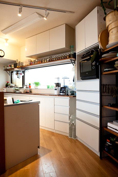 豊富なスパイス、キッチンと生活感、植物、マンションスタジオ、関東都内の自然光スタジオ、世田谷区、眺望良好、エグゼクティブ