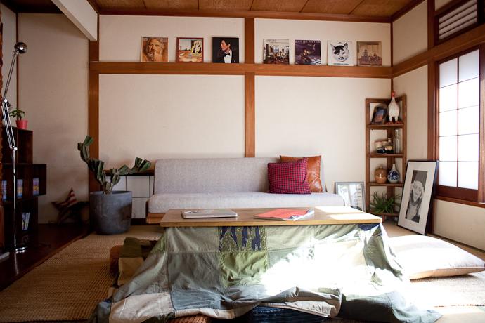 こたつ、アーティスト、和モダン、関東都内の古民家と自然光スタジオ、和室