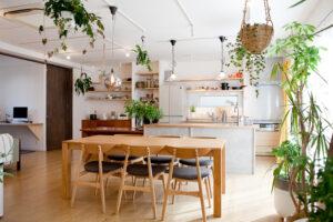 関東都内、自然光スタジオ、キッチン、アイランドキッチン、バルコニー、テラス